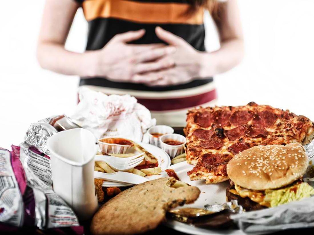 Чтобы желудок «стянулся» — нужно ли есть мало? Возможно ли «растянуть» желудок перееданием?