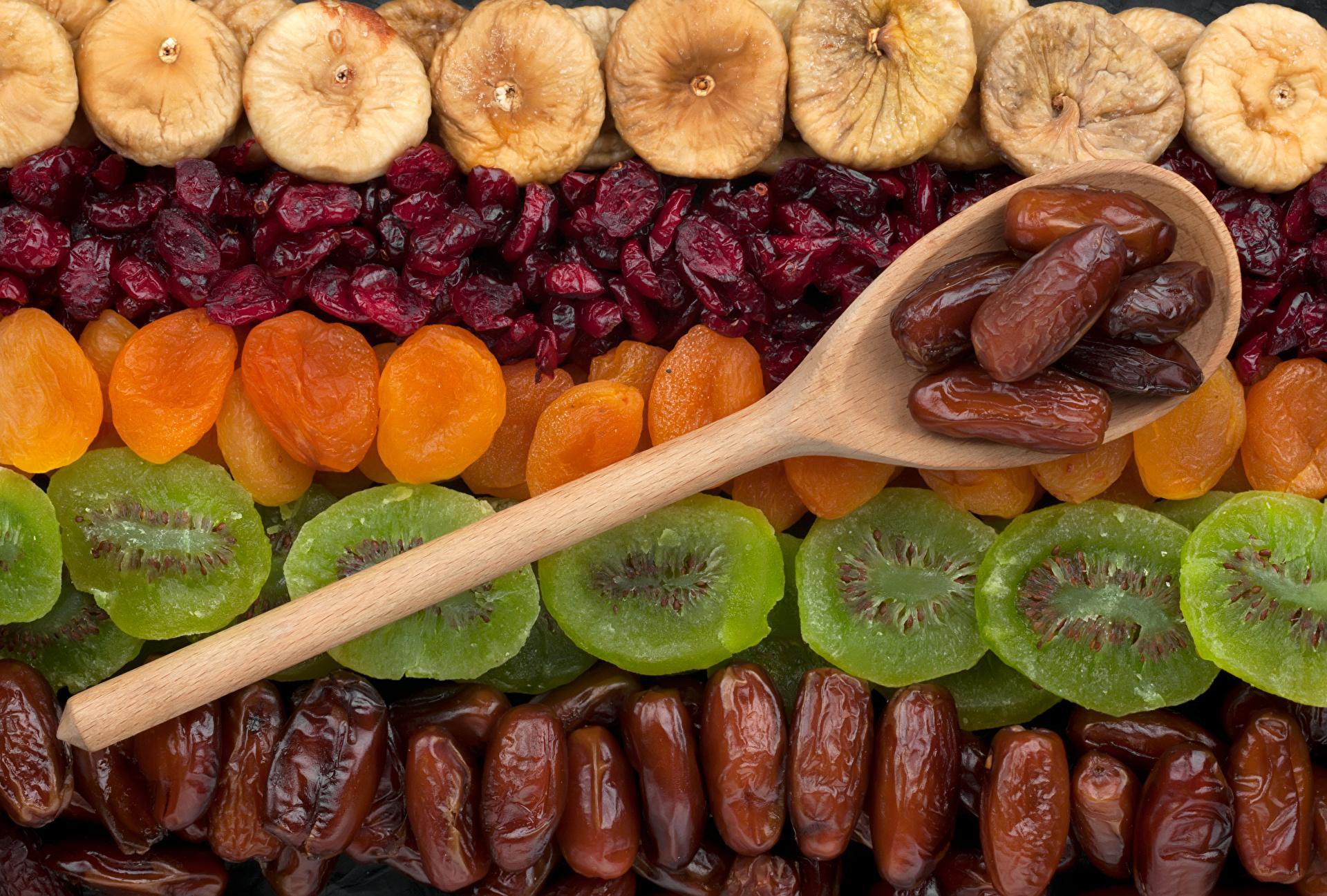 Сухофрукты — полезный перекус или реальный вред? Развенчиваем мифы